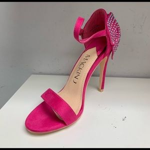 52db23dcc49 Sexy Fuschia Sparkly Faux Crystal Heels for PROM!